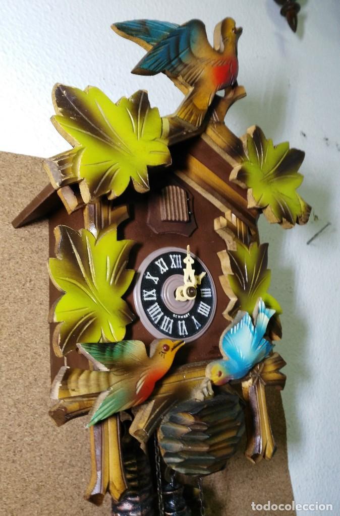 Relojes de pared: Reloj de Cuco de la Selva Negra, mecánico, madera tallada - Funciona - Foto 4 - 141033918
