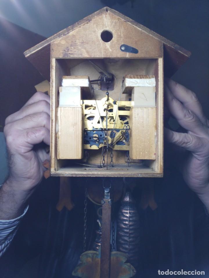Relojes de pared: Reloj de Cuco de la Selva Negra, mecánico, madera tallada - Funciona - Foto 6 - 141033918