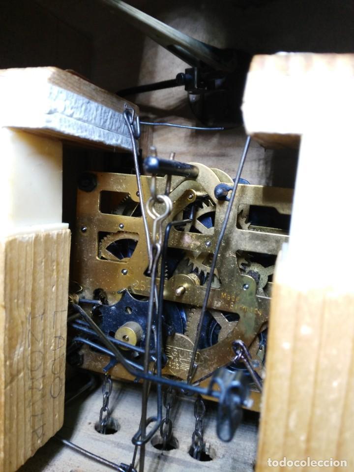 Relojes de pared: Reloj de Cuco de la Selva Negra, mecánico, madera tallada - Funciona - Foto 8 - 141033918