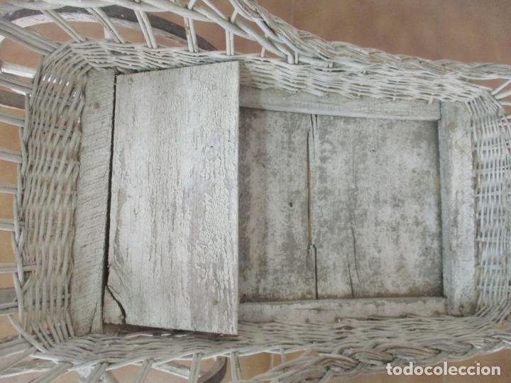 Relojes de pared: Antiguo Carrito, Cochecito para Muñecas, Bebe - Ruedas de Madera - Cesta de Mimbre - Original - Foto 24 - 141905834