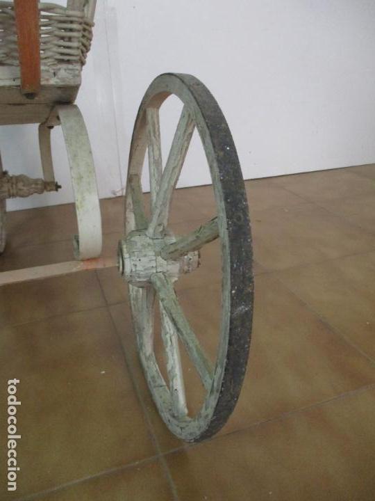 Relojes de pared: Antiguo Carrito, Cochecito para Muñecas, Bebe - Ruedas de Madera - Cesta de Mimbre - Original - Foto 28 - 141905834