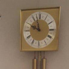 Relojes de pared: RELOJ DE PARED, PESAS Y PENDULO. AÑOS 60. Lote 142110706