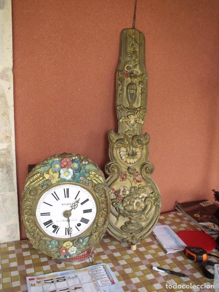 ¡¡¡GRAN OFERTA !!!PRECIOSO RELOJ MOREZ PESAS POLICROMADO- AÑO 1890-FUNCIONAL-REPITE HORAS-LOTE 142 (Relojes - Pared Carga Manual)