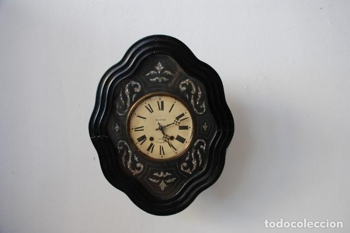 ANTIGUO RELOJ OJO DE BUEY (Relojes - Pared Carga Manual)