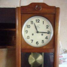 Relojes de pared: ANTIGUO RELOJ DE PARED,CAJA DE MADERA,RELOJERIA GIMENEZ-VALENCIA-FUNCIONANDO.TODO ORIGINAL.. Lote 143456566