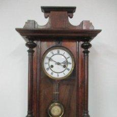 Relojes de pared: RELOJ DE PARED - MARCA JUNGHANS, ALEMANIA - FUNCIONA - COMPLETO - PRINCIPIOS S. XX. Lote 143962070