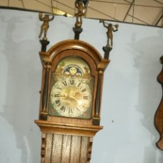 Relojes de pared: RELOJ DE PARED CON CAJA DE ROBLE HOLANDÉS FUNCIONANDO. Lote 144099518