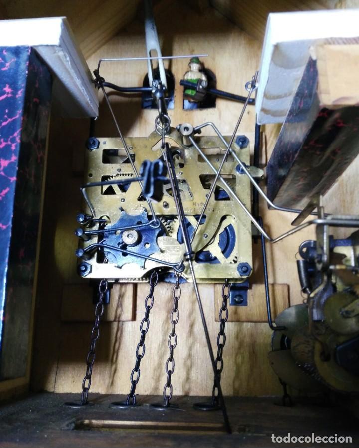 Relojes de pared: Reloj de Cuco Musical de la Selva Negra, mecánico, madera tallada - Foto 9 - 145742542