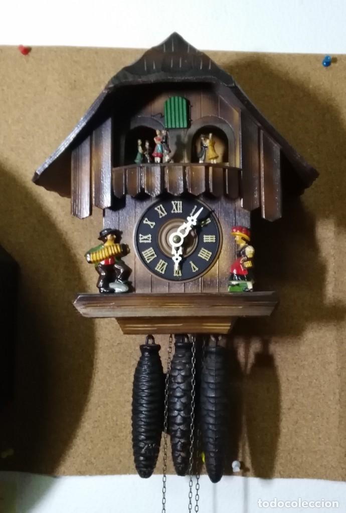 RELOJ MECÁNICO DE CUCO DE LA SELVA NEGRA, CARRUSEL MUSICAL, MADERA TALLADA (Relojes - Pared Carga Manual)