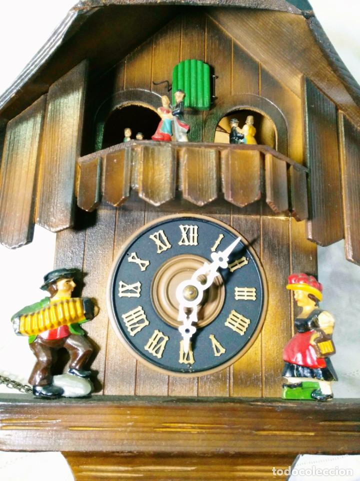Relojes de pared: Reloj mecánico de Cuco de la Selva Negra, carrusel musical, madera tallada - Foto 2 - 145855302