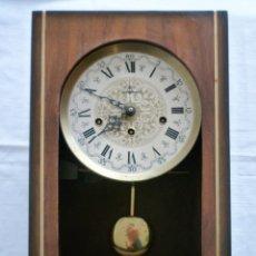 Relojes de pared: ANTIGUO RELOJ DE PARED DE CUERDA MARCA ICENTI. Lote 146350254