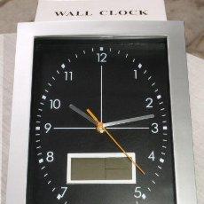 Orologi da parete: RELOJ DE COLGAR, RECTANGULAR. DISPONE DE MEDIDOR DE TEMPERATURA Y HUMEDAD, CALENDARIO. Lote 146724898