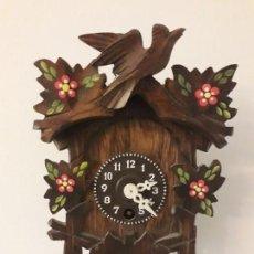 Relojes de pared: ANTIGUO RELOJ TIPO CUCO EN MINIATURA FUNCIONANDO. Lote 147239874