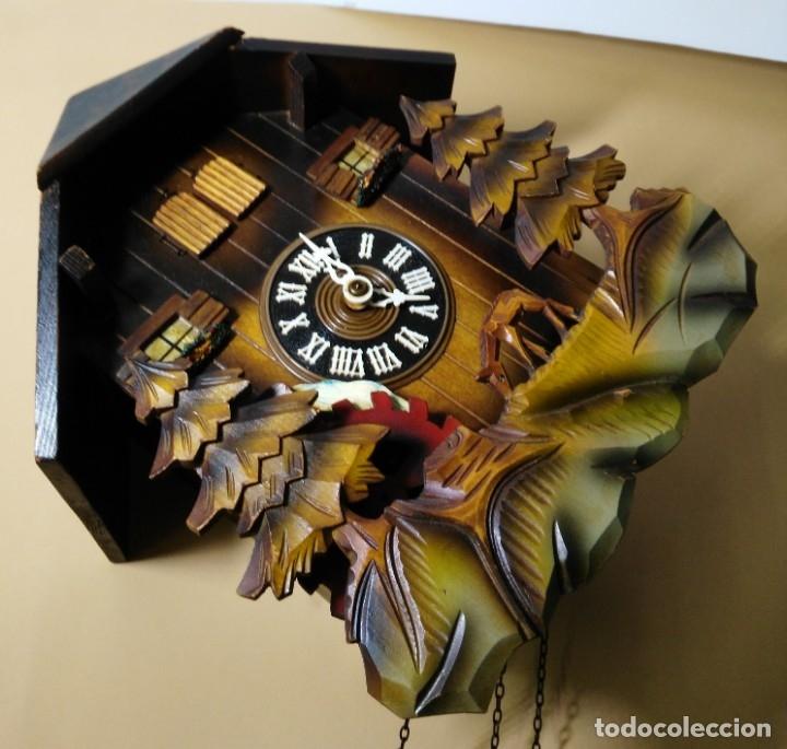 Relojes de pared: Reloj de Cuco Musical de la Selva Negra, mecánico, madera tallada - Foto 3 - 145742542