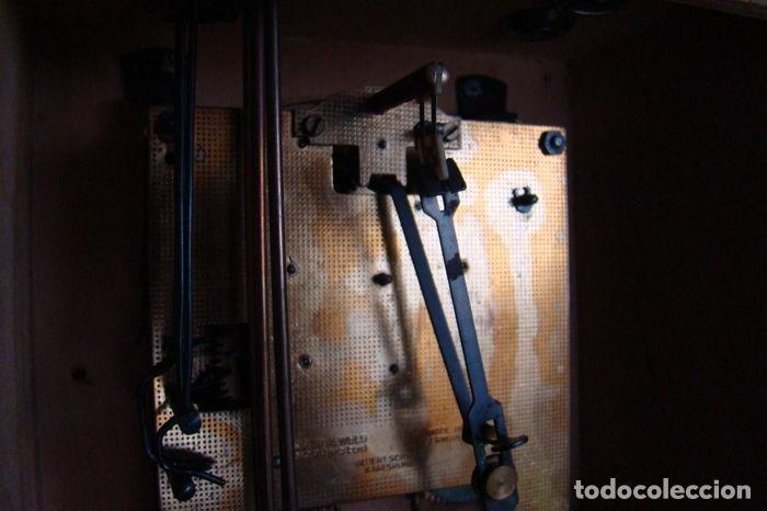 Relojes de pared: RELOJ ALEMÁN, TIPO RATERA, FABRICADO POR ALBERT SCHWAB, DECORADO A MANO. - Foto 11 - 147884014