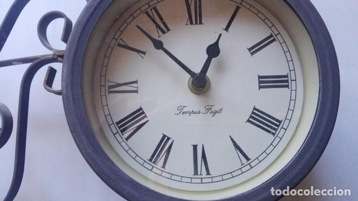 Relojes de pared: RELOJ DE PARED DE ESTACIÓN FERROVIARIA TEMPUS FUGIT DOBLE CARA CON TERMÓMETRO. - Foto 2 - 147939302