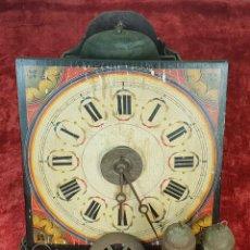 Relojes de pared: RELOJ DE PARED Ó RATERA. FRONTAL DE MADERA POLICROMADA. SIGLO XIX.. Lote 147970126