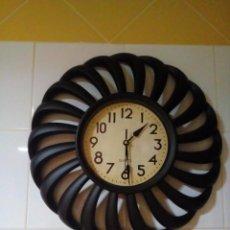 Relojes de pared: BONITO RELOJ DE PARED . Lote 148010758