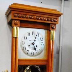 Relojes de pared: MUY BONITO RELOJ ANTIGUO DE PARED. Lote 148166802