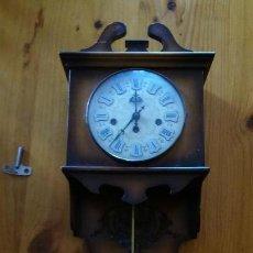 Relojes de pared: RELOJ DE PARED A CUERDA. AÑOS 70. Lote 151528294