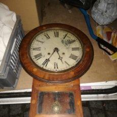 Relojes de pared: IMPRESIONANTE RELOJ DE PARED CON MARQUETERÍA SIGLO XIX. Lote 151634876