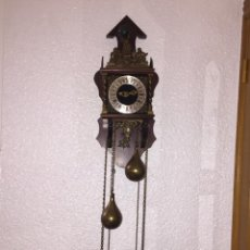 Relojes de pared: ANTIGUO RELOJ DE PARED NU ELCK SYN SIN 65X25X17. Lote 151665764