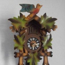 Relojes de pared: RELOJ ANTIGUO DE PARED ALEMÁN CUCU CUCO PÉNDULO FUNCIONA CON PESAS FABRICADO EN SELVA NEGRA ALEMANA. Lote 152052806