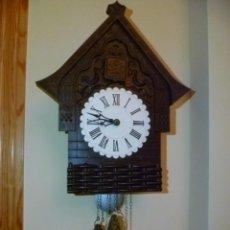 Relojes de pared: RELOJ DE CUCO FABRICADO EN LA URSS - SOVIÉTICO - RUSO. DE BAQUELITA - FUNCIONA. Lote 152676282