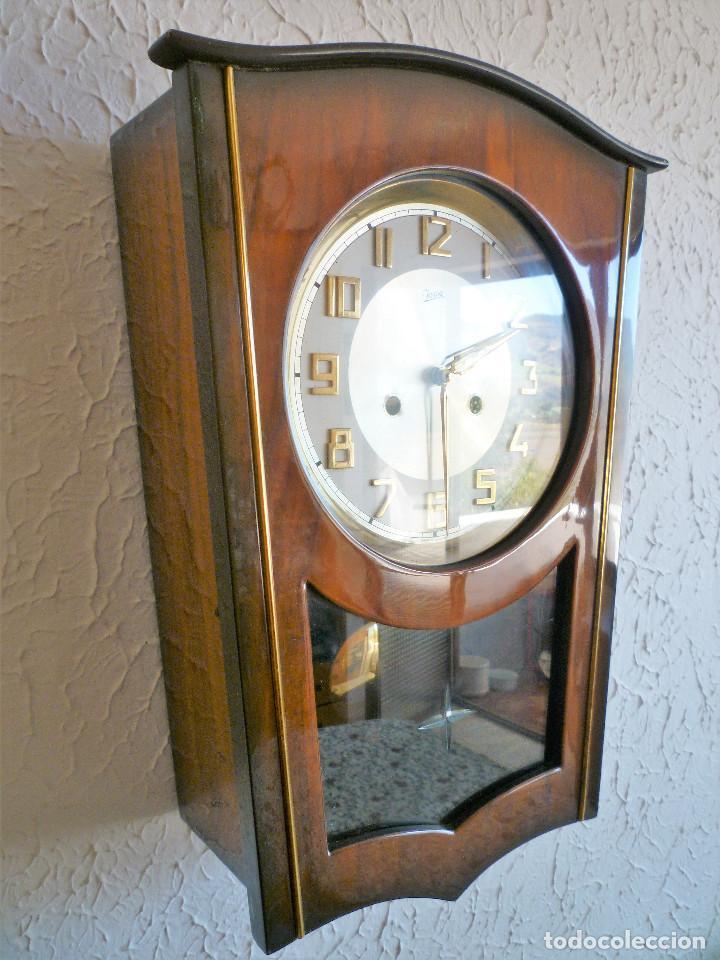 Relojes de pared: RELOJ DE PARED MARCA JUNVA MADE IN GERMANI - COMPLETO – CRISTAL TALLADO - Foto 2 - 153689786