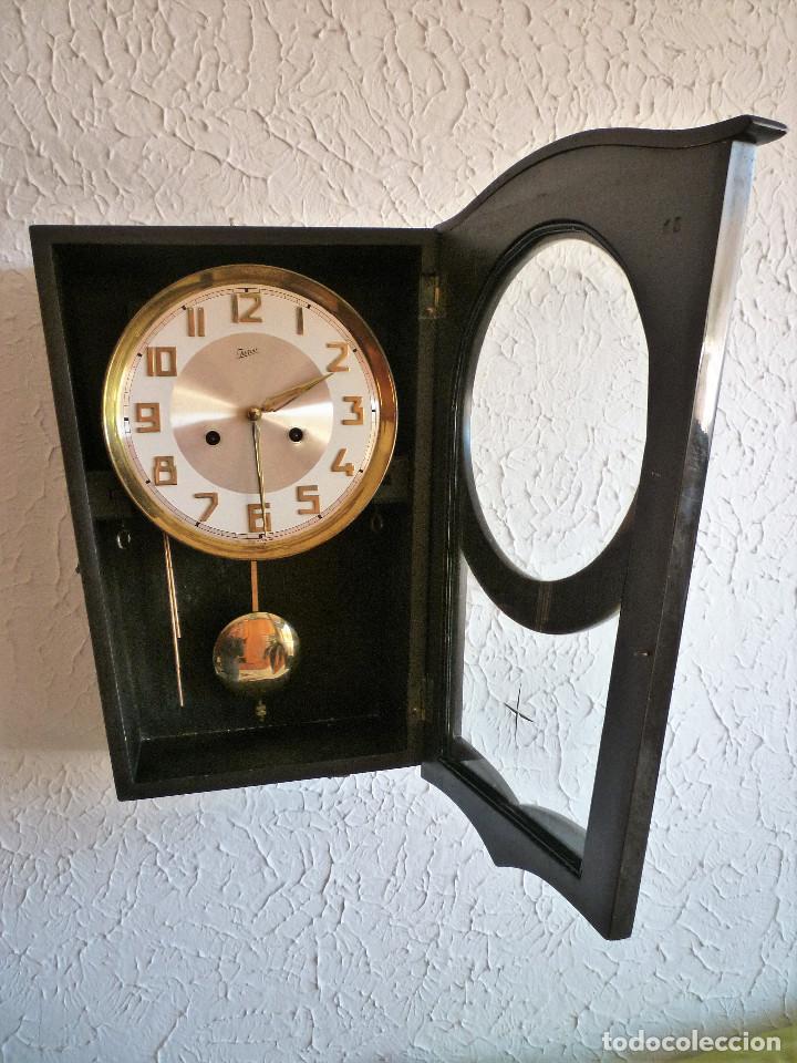 Relojes de pared: RELOJ DE PARED MARCA JUNVA MADE IN GERMANI - COMPLETO – CRISTAL TALLADO - Foto 3 - 153689786