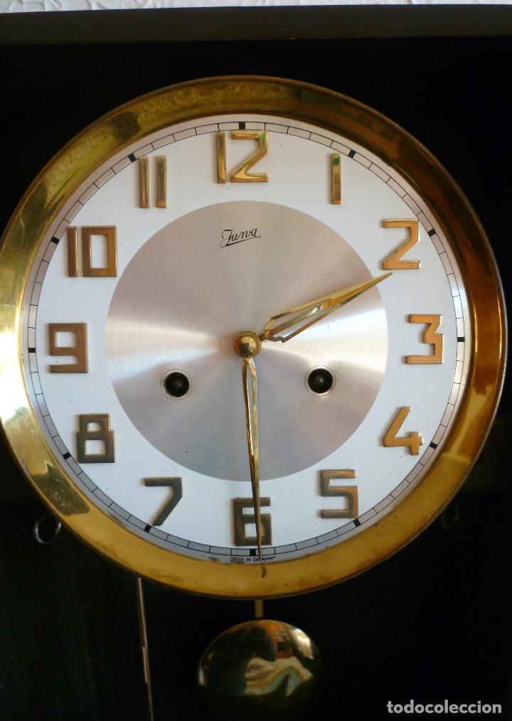 Relojes de pared: RELOJ DE PARED MARCA JUNVA MADE IN GERMANI - COMPLETO – CRISTAL TALLADO - Foto 4 - 153689786