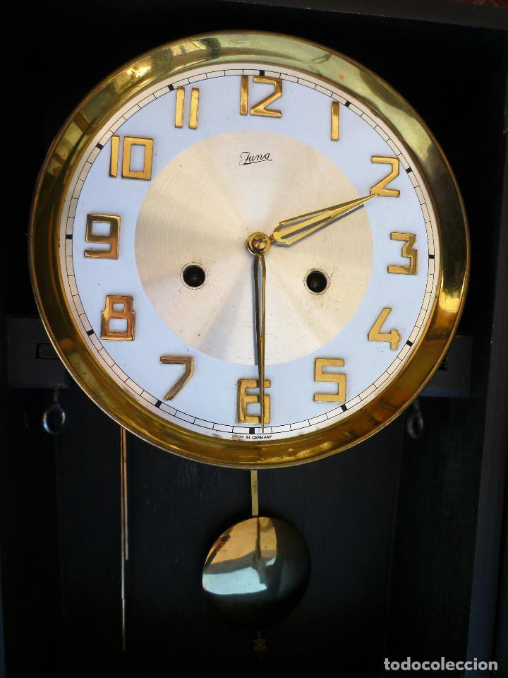 Relojes de pared: RELOJ DE PARED MARCA JUNVA MADE IN GERMANI - COMPLETO – CRISTAL TALLADO - Foto 9 - 153689786