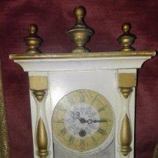 Relojes de pared: RELOJ DE PARED CARGA MANUAL.REPÚBLICA DEMOCRÁTICA ALEMANA.AÑOS 70-80. Lote 194509610