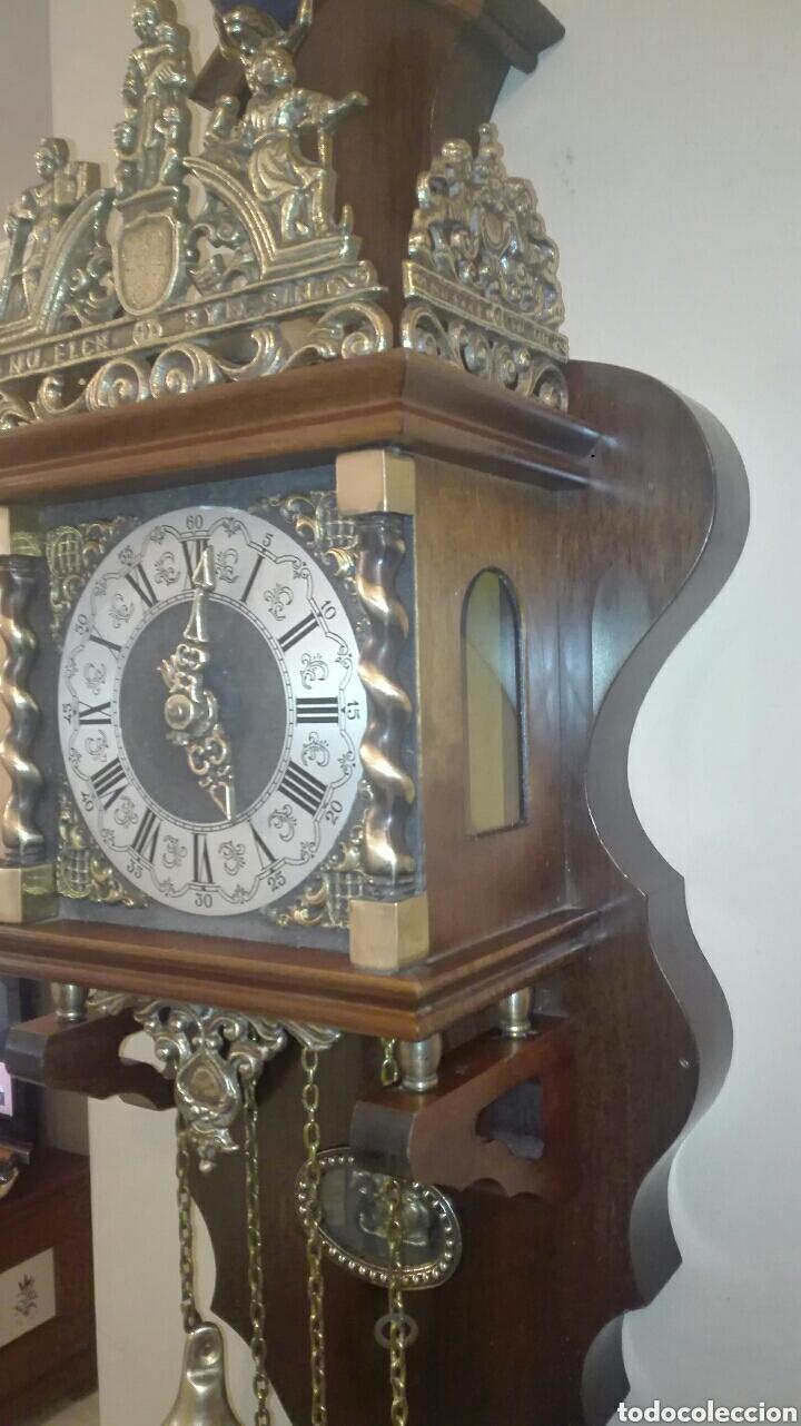 Relojes de pared: ANTIGUO RELOJ DE PARED, HOLANDES, EL MÁS GRANDE DE SU SERIE, ESTÁ COMPLETO Y FUNCIONANDO. - Foto 2 - 155757850