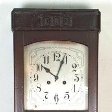 Relojes de pared: RELOJ DE PARED. MADERA DE NOGAL. MQUINARIA ALEMANA JUNGHANS. SIGLO XIX-XX.. Lote 155780462