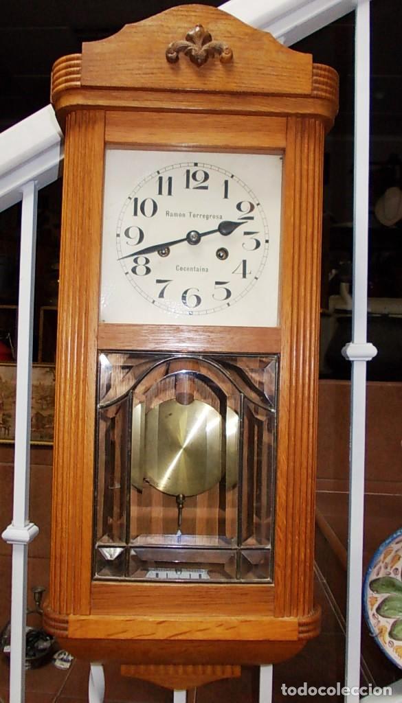 PRECIOSO RELOJ DE LA FIRMA RAMON TORREGROSA (Relojes - Pared Carga Manual)