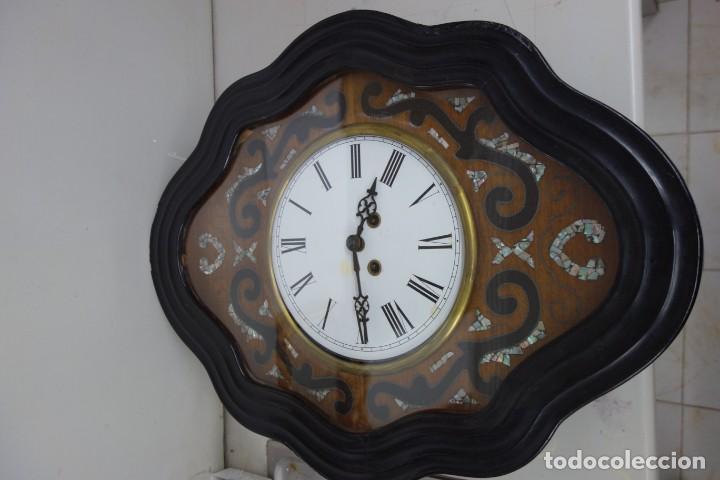 RELOJ DE PARED DE OJO DE BUEY PINTADO A MANO FUNCIONA CORRECTAMENTE (Relojes - Pared Carga Manual)