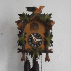Relojes de pared: RELOJ ANTIGUO DE PARED ALEMÁN CUCU CUCO PÉNDULO FUNCIONA CON PESAS FABRICADO EN SELVA NEGRA ALEMANA. Lote 156485058