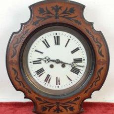 Relojes de pared: RELOJ DE PARED. OJO DE BUEY. ESTILO ISABELINO. MADERA CON MARQUETERÍA. SIGLO XIX.. Lote 156982610