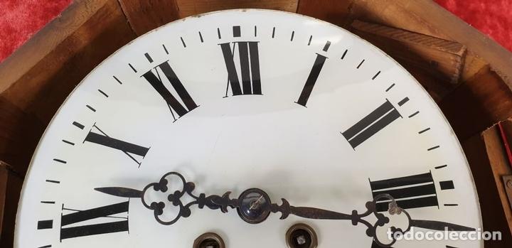 Relojes de pared: RELOJ DE PARED. OJO DE BUEY. ESTILO ISABELINO. MADERA CON MARQUETERÍA. SIGLO XIX. - Foto 10 - 156982610