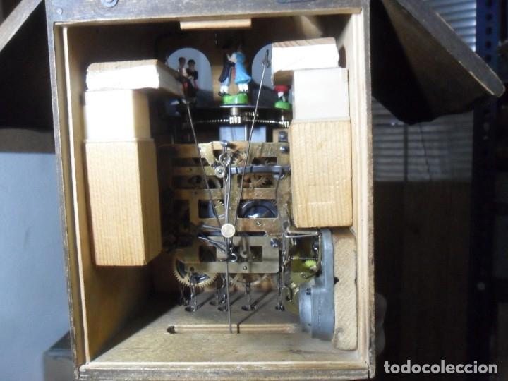 Relojes de pared: Reloj mecánico de Cuco de la Selva Negra, carrusel musical, madera tallada - Foto 7 - 145855302