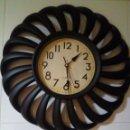 Relojes de pared: BONITO RELOJ DE PARED. Lote 159159202