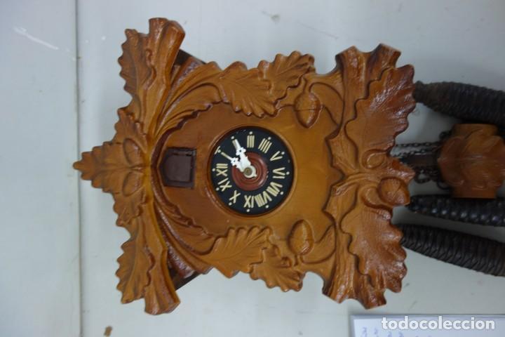 Relojes de pared: RELOJ DE CUCO DE MEDIADOS DEL SIGLO XX FUNCIONA CORRECTAMENTE - Foto 2 - 159251258