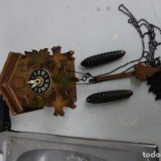Relojes de pared: RELOJ DE CUCO DE MEDIADOS DEL SIGLO XX FUNCIONA CORRECTAMENTE . Lote 159253082