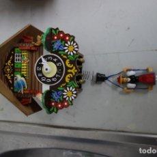 Relojes de pared: RELOJ DE CUCO DE MEDIADOS DEL SIGLO XX FUNCIONA CORRECTAMENTE . Lote 159254658