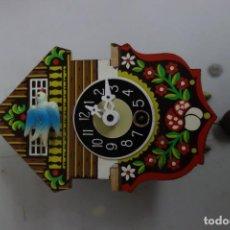 Relojes de pared: RELOJ DE CUCO DE MEDIADOS DEL SIGLO XX FUNCIONA CORRECTAMENTE . Lote 159256858