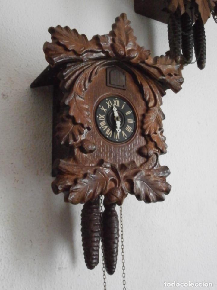 Relojes de pared: Reloj antiguo de pared alemán cucu cuco péndulo funciona con pesas de la Alemania Oriental comunista - Foto 3 - 160046690