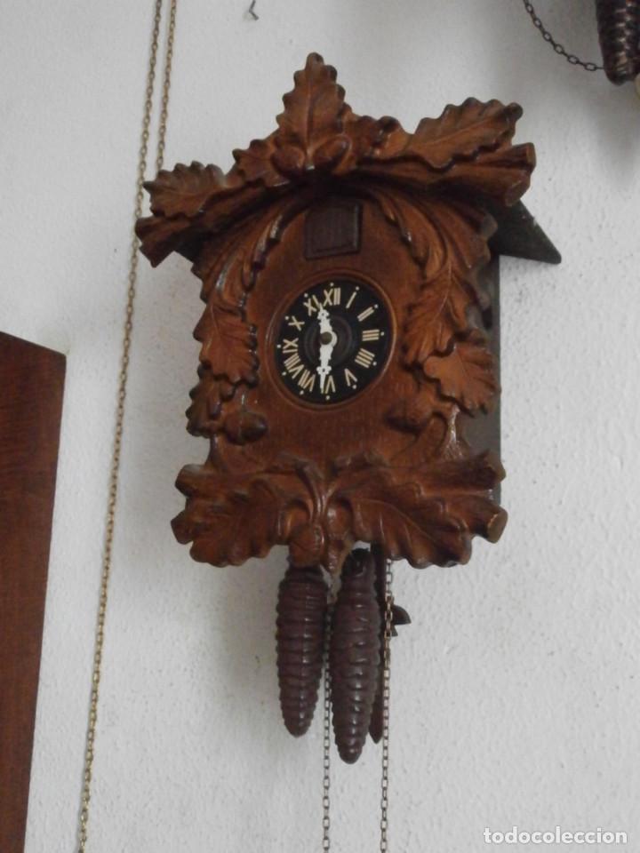 Relojes de pared: Reloj antiguo de pared alemán cucu cuco péndulo funciona con pesas de la Alemania Oriental comunista - Foto 4 - 160046690