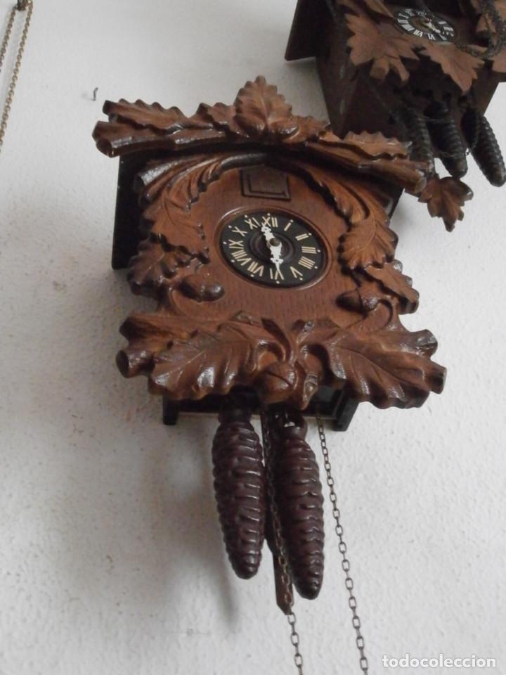 Relojes de pared: Reloj antiguo de pared alemán cucu cuco péndulo funciona con pesas de la Alemania Oriental comunista - Foto 5 - 160046690