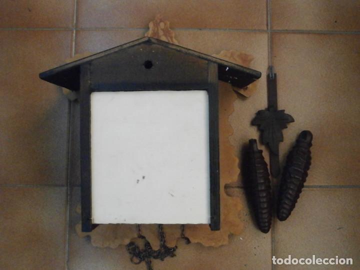 Relojes de pared: Reloj antiguo de pared alemán cucu cuco péndulo funciona con pesas de la Alemania Oriental comunista - Foto 6 - 160046690